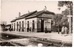 Saint-Pierre-Du-Vauvray - La Gare - Photo Marco - France