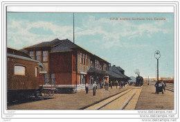 """Cpa  Réf-JP-M-355     (  CANADA )        C.P.R.   Station ,Sudbury, Ont.. Canada  """""""""""""""""""""""""""""""""""""""""""""""""""""""""""""""" On Remarque Au Fond L - Alberta"""