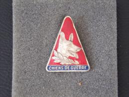"""Insignes Militaire """"CHIEN DE GUERRE"""" -  Military Badges - RARE - Armée De Terre"""