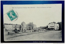 79 - COULONGES Sur L'AUTIZE - Place Du Champ De Foire. - Coulonges-sur-l'Autize