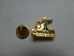 Beau Pin´s , Pompiers SP , Normandie Feu , Protection Incendie , Extincteur - Brandweerman
