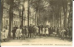 CPA  LOUVIERS, Boulevard Du Nord, Sortie Des écoles  0427 - Louviers