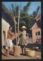 Madagascar *Eny Ambanivohitra* Ed. Mexichrome Nº 5378. Circulada 1975. - Madagascar