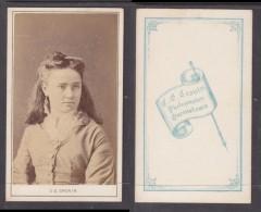 Carte De Visit; , Photo , S.Africa, C.E. CRONIN, Queenstowm ,young Lady Head & Shoulders - Anonymous Persons