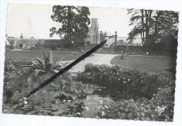 CPSM - 12 - Avranches - Jardin Des Plantes Et Eglise Notre Dame Des Champs