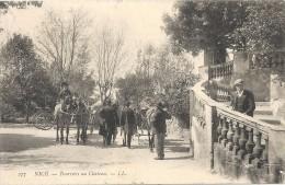 06 NICE TOURISTES AU CHÂTEAU ATTELAGE TBE - Nice