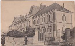 BLOIS. Groupe Scolaire - Blois