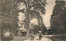 UDINE. GIARDINO PUBBLICO CON DUE CONTADINE DI PASSAGGIO. CARTOLINA DEL 1914 - Udine