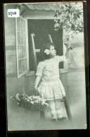 BLOEMENMEISJE * ANSICHTKAART * POSTCARD * CPA * GELOPEN IN 1915 NAAR AMSTERDAM * NVPH 51 (3728) - Bloemen