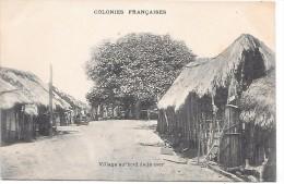 COTE D´IVOIRE - Colonies Françaises - Village Au Bord De La Mer - Côte-d'Ivoire