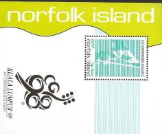 Norfolk Island......:  1998 16th Commonwealth Games Souvenir Sheet - Norfolk Island