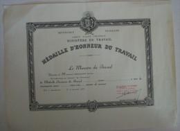 DIPLÔME DECORATION MEDAILLE D'HONNEUR DU TRAVAIL 25 Années - France