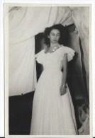 PHOTO Yvette Maniglier Peintre 1929 2007 - Personnes Identifiées