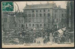 EPINAL - La Place De L'Atre, Un Jour Du Marché - Epinal