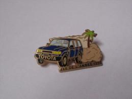 Pin's Voiture / Toyota 4*4 De L'année 1991 (version Bleue Signé Arthus Bertrand) - Toyota