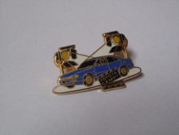 Pin's Voiture / Toyota Camry (version Bleue - Signé Arthus Bertrand) - Toyota