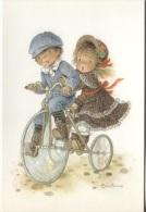 CPM - Fantaisie Illustrée Signée CONSTANZA - SCENE ENFANTINE (vélo) - Edition Lyna Paris /N°Série 525 - Kinder-Zeichnungen