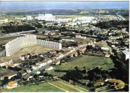 Carte Postale 31. Muret  Et La Nouvelle Cité HLM  Vue D´avion  Trés Beau Plan - Muret