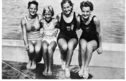 Deutch - Olympia 1936 -Band I -Bild N°157-Gruppe 53-Vier Amerikanische Schwimmeisterinnen, Katherine Rawls, Mary Hoerger - Old Paper
