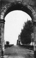 BERGUES - La Porte Du Champ De Mars - - Bergues