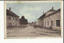 Dompierre-sur-Linotte  70   La Grande-Rue-Animée-Café Et Voiture - France
