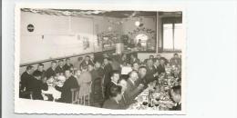 FLEURANCE  (GERS) PHOTO DU CONGRES DEPARTEMENTAL DES CHEFS D´ENTREPRISE 1960 ((DINER AVEC BELLE ANIMATION) - Lugares