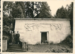Photos (8 X 6cm) - ROSSIGNOL - Monument Aux Victimes Civiles - Lugares