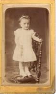CDV - Photo Cartonnée - Portrait D'Enfant - Photographie Albert - Rue Du Parc - CAHORS - Lot - Personas Anónimos