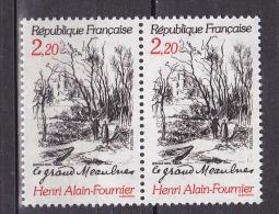 N° 2443 Centenaire De La Naissance D´Henri Alain Fournier: Le Grand Meaulnes : Une Paire De 2  Timbre Neuf - France