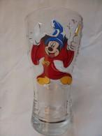 Très Beau Verre Mickey (Disneyland Paris). 15 Cm De Haut Et Culot épais. - Otros