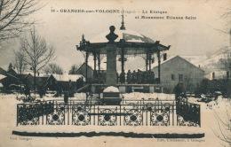 GRANGES SUR VOLOGNE - Le Kiosque Et Monument Etienne Seitz - Granges Sur Vologne