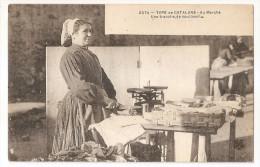 66 - Amélie Les Bains - Type De Catalane Au Marché Une Tranche De Saucisson Balance Métier Cachet 1906 - Other Municipalities