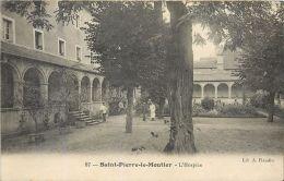 58 SAINT PIERRE LE MOUTIER  L'HOSPICE MEDECINE   CARTE N'AYANT  PAS VOYAGE - Saint Pierre Le Moutier