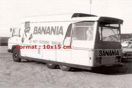 Photographie D´un Véhicule Publicitaire Pour La Marque Banania Le Petit Déjeuner Familial - Reproductions