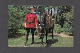 POLICE - ROYAL CANADIAN MOUNTED POLICE - R.C.M.P. CHEVAL - GENDARMERIE ROYALE DU CANADA - MEN IN SCARLET - Police - Gendarmerie