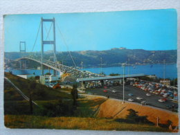 CP TURQUIE (turkiye ) ISTANBUL Ve GÜZELLIKLERI - Une Vue Du Pont Du Bosphore Par BEYLERBEYI VILLAGE - Voitures - Turchia