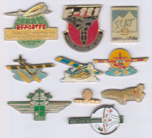 Lot De 10 Pin's Avions - Lots