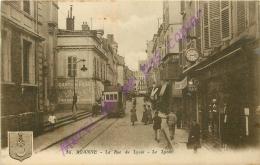 42. ROANNE .  La Rue Du Lycée . Le Lycée . - Roanne