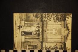 CP, 13, AIX EN PROVENCE La Faculté De Droit Monument Peiresc  Collection C Martinet - Aix En Provence