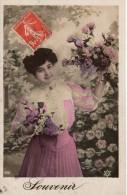 C.P.A. Fleurs De 1908 - PC 436 - Souvenir - Femme Aux Bouquuets De Roses Et De Lilas - Flowers