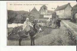 Achicourt  62   Achicourienne Au Depart Pour Le Marché Et Route Animée  -pli En Hauteur A Gauche - France