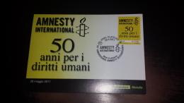 C-44010 AMNESTY INTERNATIONAL 50'' ANNIVERSARIO DELLA FONDAZIONE CARTOLINA POSTALE TIMBRO PRIMO GIORNO - Cartes Postales