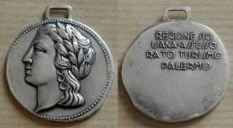 TOURISME ITALIE Ancienne Médaille En Métal Argentée PALERME En SICILE - Portrait De Femme Antique - Autres Collections