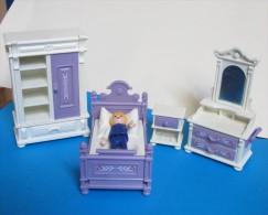 Chambre A Coucher  Armoire Lit Commode Table De Nuit ) - Playmobil