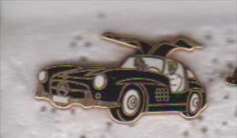 Pin's MERCEDES SIGNE ARTHUS BERTRAND - Badges