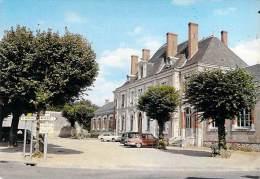 SAINT CLAUDE DE DIRAY 41 - Place De La Mairie ( Automobile Panhard ) - CPSM GF - Loir Et Cher - France
