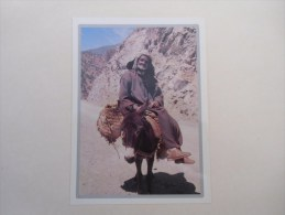 Le Veil Homme Sur Un Ane Et La Montagne ( La Poésie Au Quotidien ) - Ezels