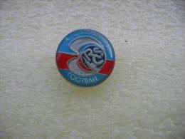 Pin´s Du Racing Club De Football STRASBOURG (Dept 67). - Football