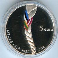 Lettonie Latvia 5 Euro 2014 25 Ans De La Voie Balte Baltic Way BE PROOF Coffret Argent - Lettonie