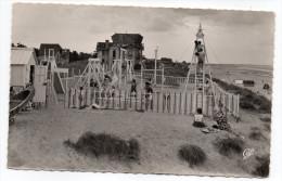 VARAVILLE-LE HOME SUR MER--Jeux Sur La Plage (très Animée), Cpsm 14 X 9  N° 1539  éd  CAP - Francia
